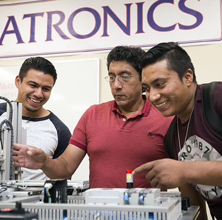 Students and faculty in Mechatronics Advanced Technology lab